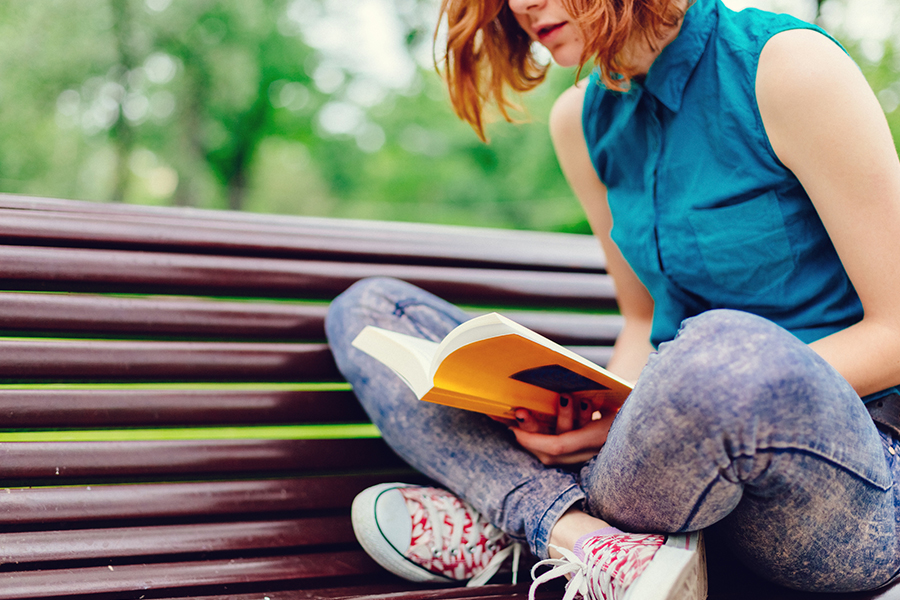 girl-reading-900x600