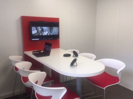 Huddle room using Jabra PanaCast 180°